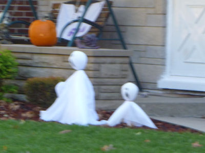 Happy Howl-o-ween to all my ghostie-friends!