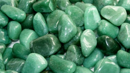 Thanks to Gems Basket (http://www.gemsbasket.com/aventurine-stone/) for this photo of Aventurine