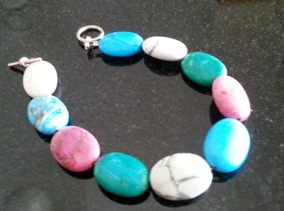 Dyed Howlite beaded bracelet (yep, one I made!)